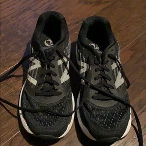 New Balance 860v9 running shoes